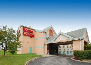 Exterior view Hotel with Parking Facility Econo Lodge, MO 64153